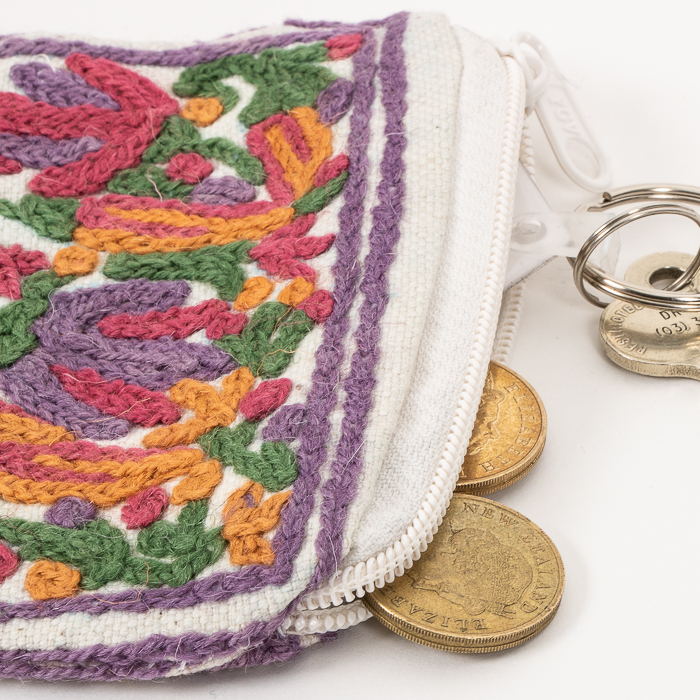 Floral coin purse | Gallery 2 | TradeAid