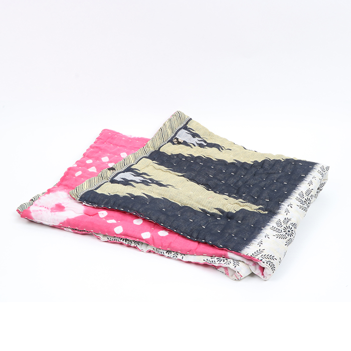 Reversible throw | TradeAid