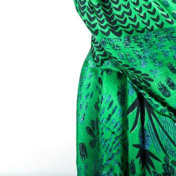 Green botanic scarf | Gallery 1 | TradeAid