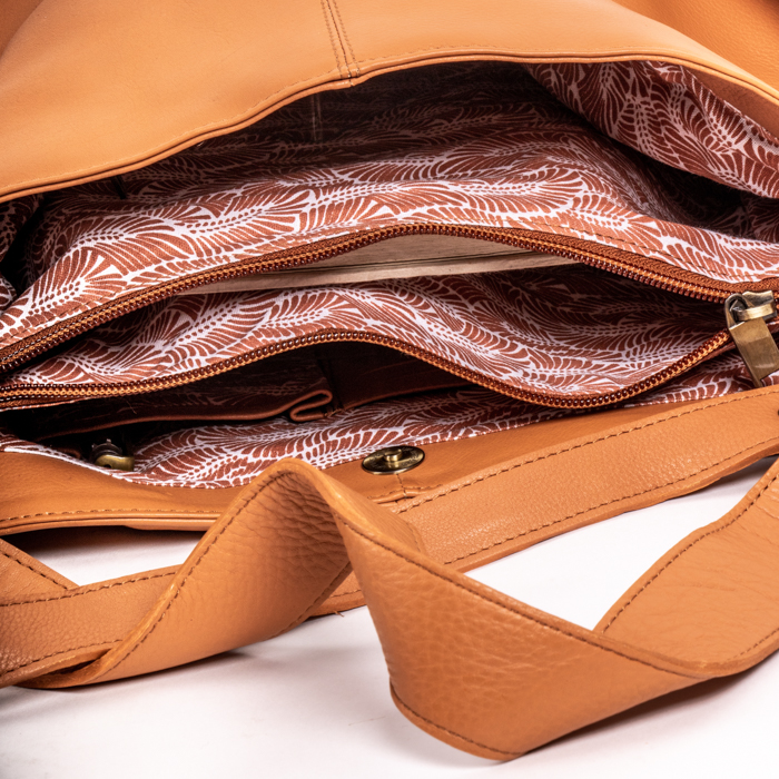 Side knot shoulder bag | Gallery 1 | TradeAid