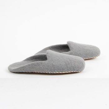 Grey felt slippers (l) | Gallery 1 | TradeAid