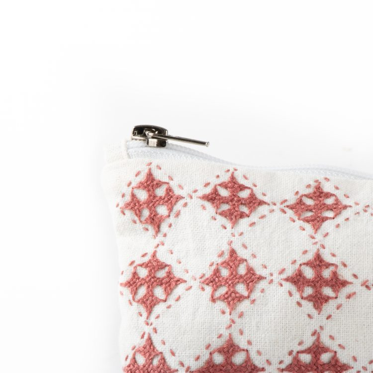White and rose floral utility pouch | Gallery 1 | TradeAid