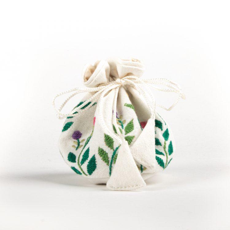 Garden jewellery pouch | TradeAid