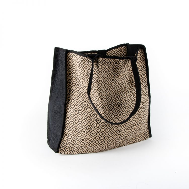 B&w diamond shopper | TradeAid