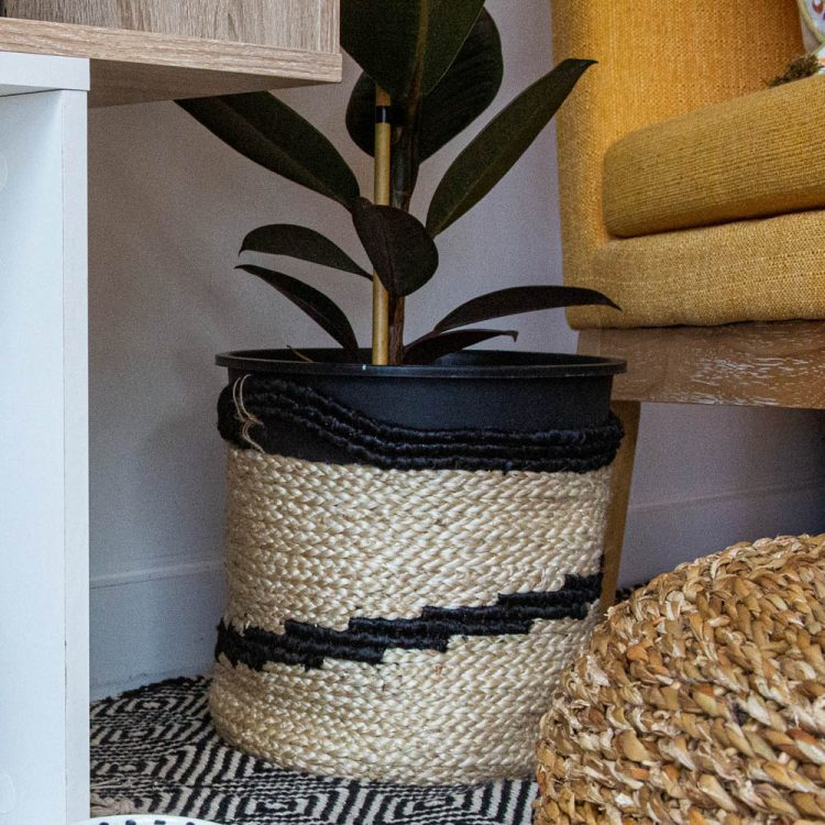 Black spiral jute basket | TradeAid
