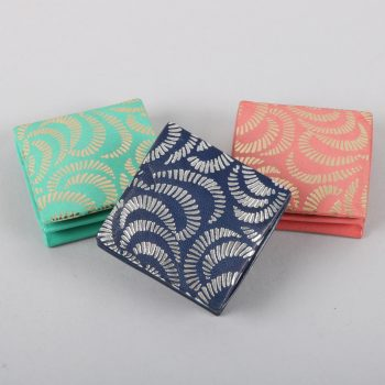 Embossed coin purse   TradeAid