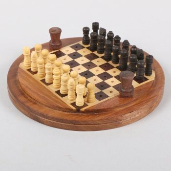 Sheesham wood papdi chess set | TradeAid