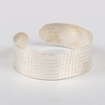 Silver textured cuff | TradeAid