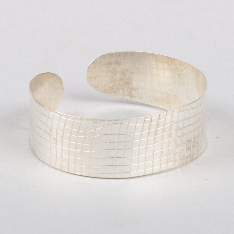 Silver textured cuff   TradeAid