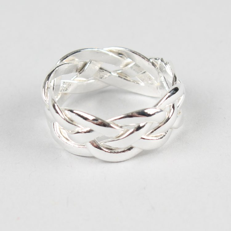 Silver plated intertwined ring | TradeAid