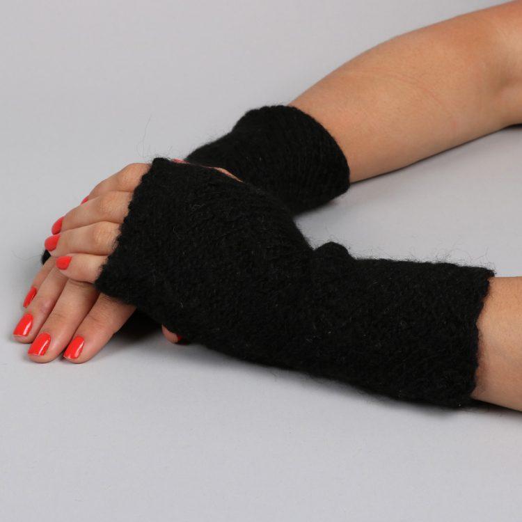 Short black fingerless alpaca gloves | TradeAid