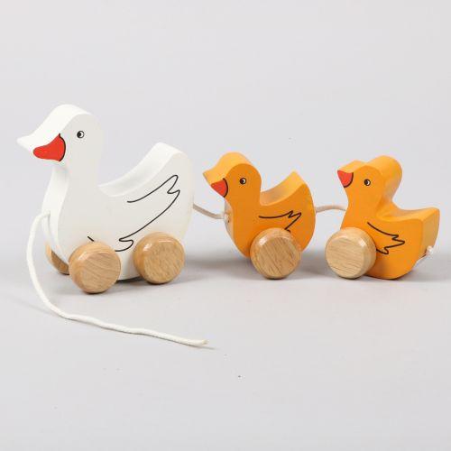 Duck family pull along | TradeAid