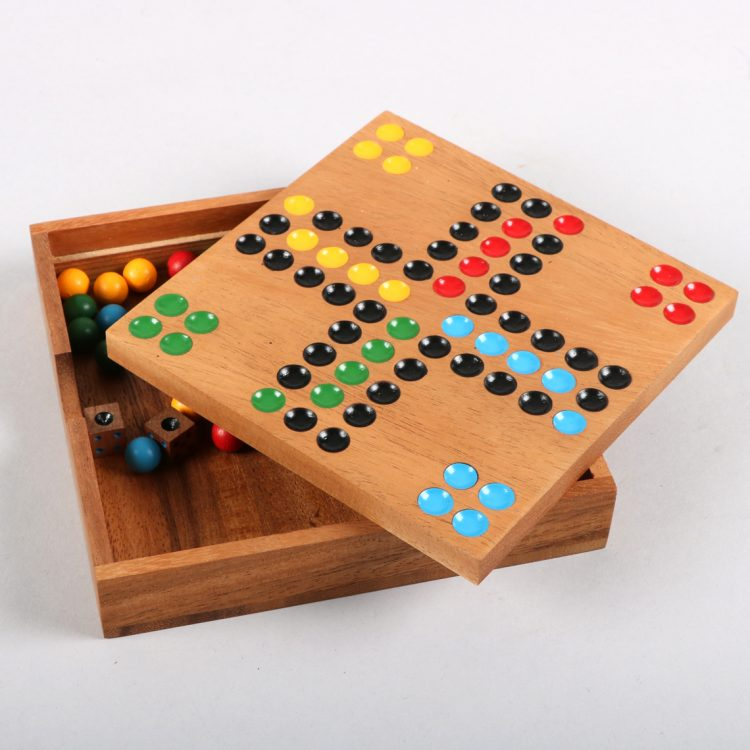 Wooden ludo game | Gallery 1 | TradeAid