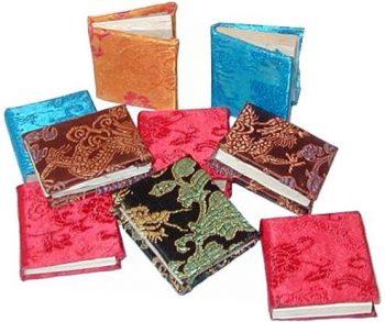 Mini brocade notebook | TradeAid