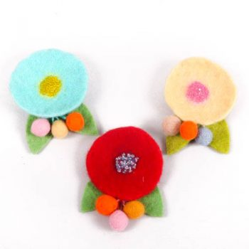 Felt flower brooch | TradeAid