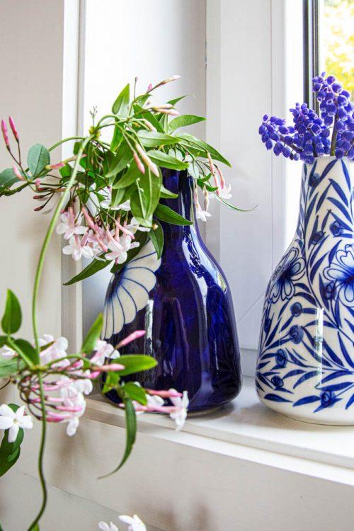 Floral bottle vase | Gallery 1 | TradeAid