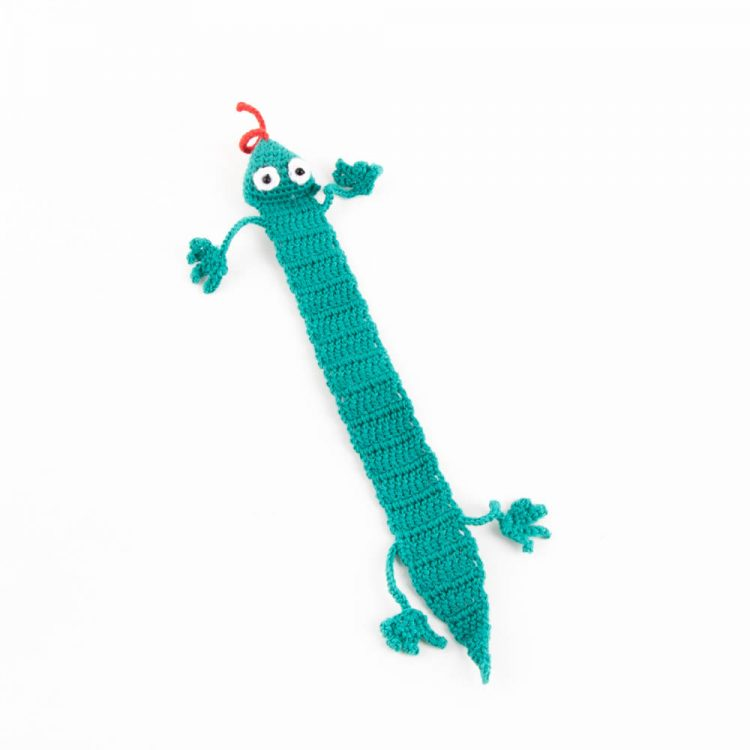 Blue lizard bookmark | TradeAid