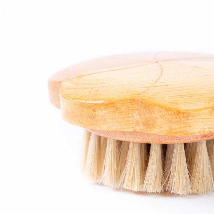 Wooden flower hair brush   Gallery 2   TradeAid