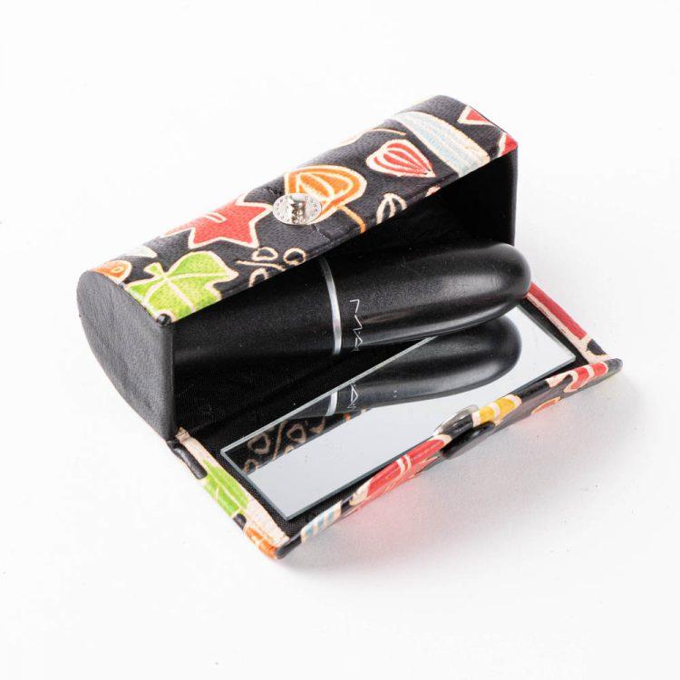 Autumn leaf lipstick case | Gallery 2 | TradeAid