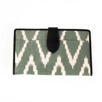 Ikat wallet | Gallery 1 | TradeAid