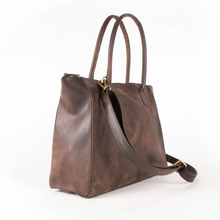 Hunter leather trapezoid bag | Gallery 1 | TradeAid