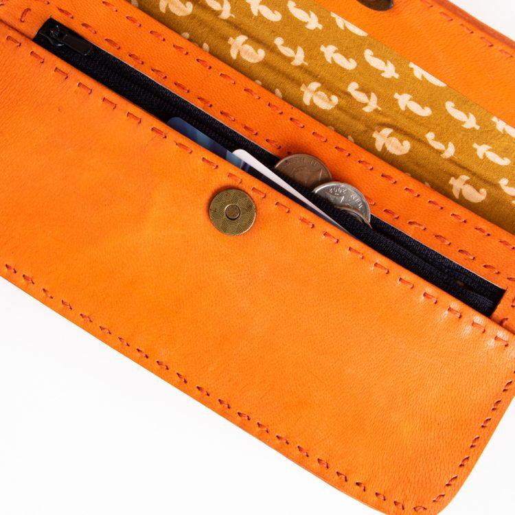 Buffalo leather wallet | Gallery 1 | TradeAid