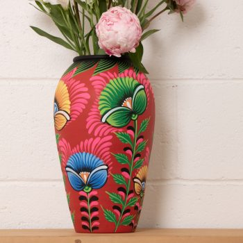 Floral nakshi kantha vase | TradeAid