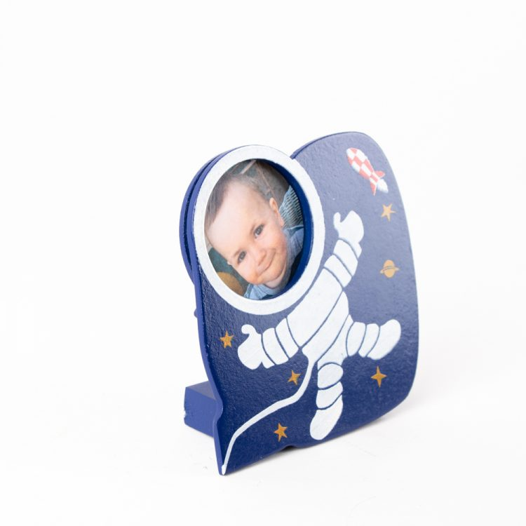 Astronaut picture frame | Gallery 1 | TradeAid