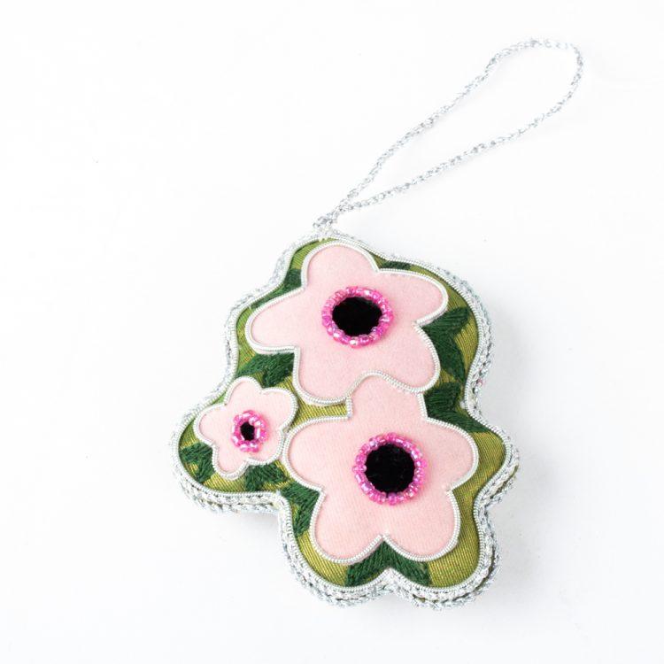Mānuka flower decoration | TradeAid