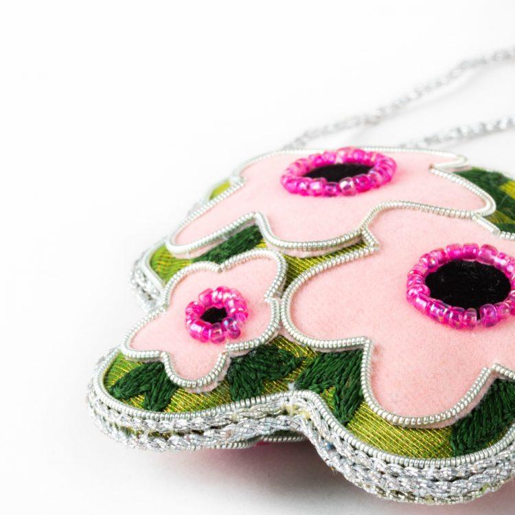 Mānuka flower decoration | Gallery 2 | TradeAid