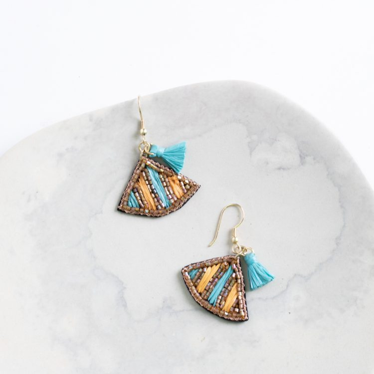 Shades of the desert earrings | Gallery 2 | TradeAid